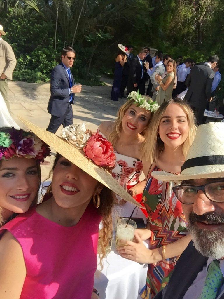 Laura, Manuela, Olga, Claudia y Luis un selfie en grupo!